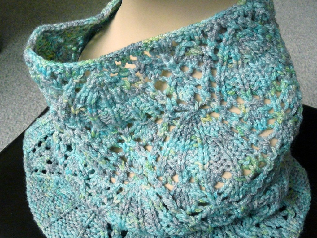 Knitty Eleanor Cowl